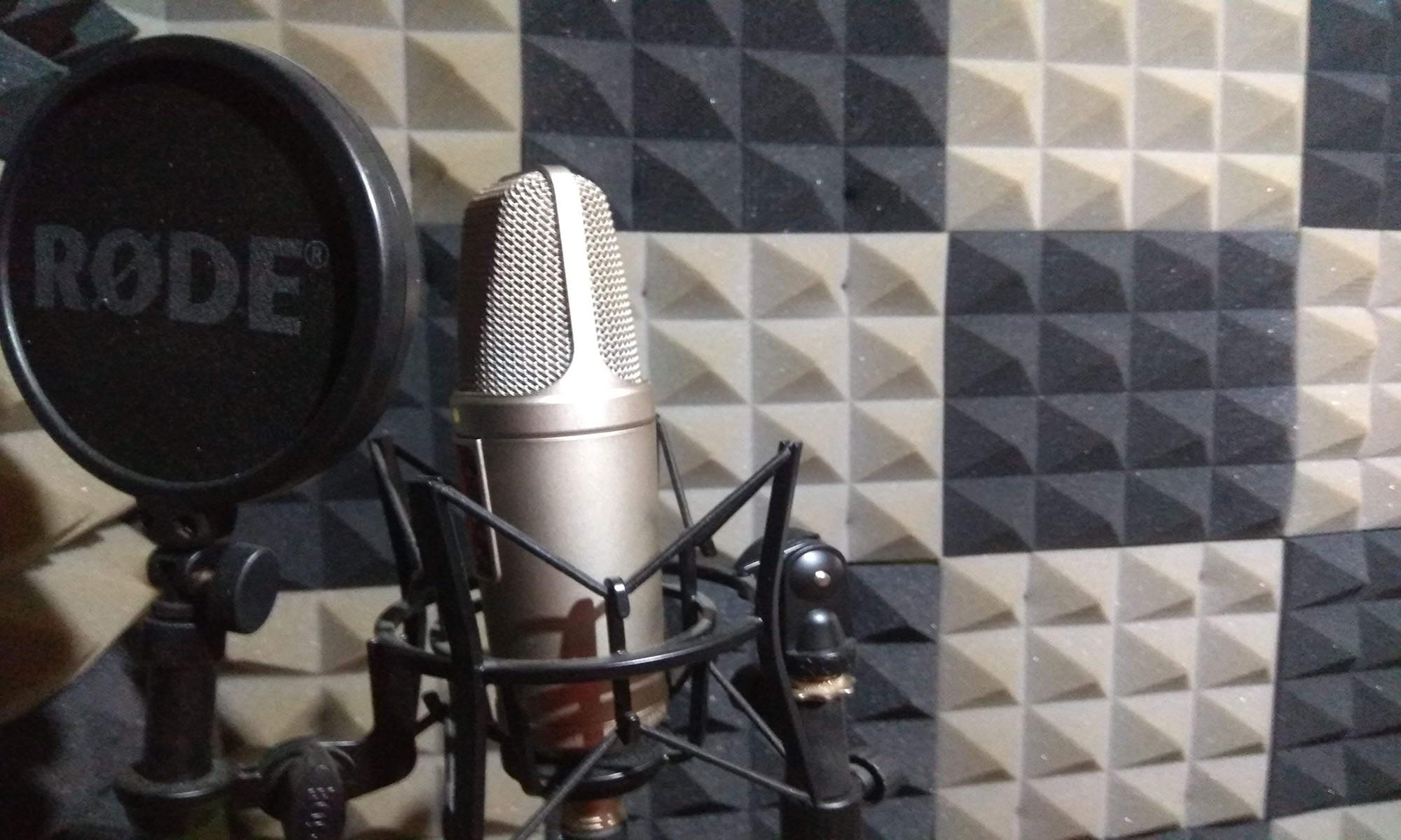 Xavi Parellada   Locutor Voiceover   Estudio de Grabación